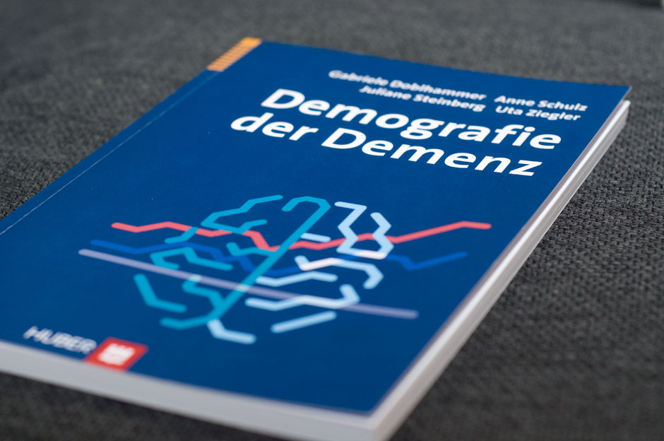 Cover des Demenzbuches - Illustrative Diagramme