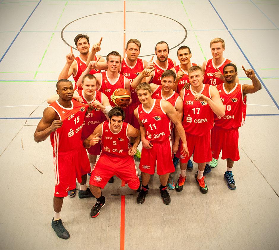 Gruppenfoto der Basketballer der Seawolves Rostock